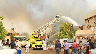 10 فرق إطفاء تسيطر على حريق نشب في ورشة نجارة بجدة