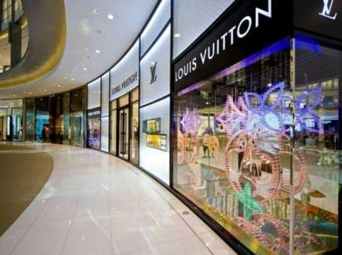 كيف تتحرك الأسهم الإماراتية مع عودة الأنشطة التجارية؟