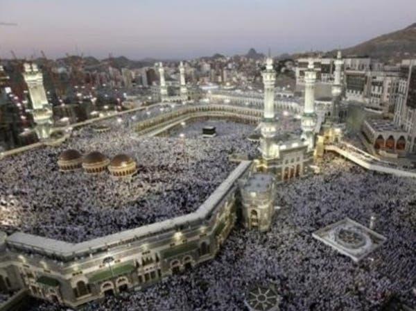 السعودية توصي مصابي الأمراض المزمنة بتأجيل العمرة والحج