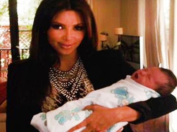 كيم كاردشيان: الأمومة منحتني أكثر تجارب الحياة حماسة