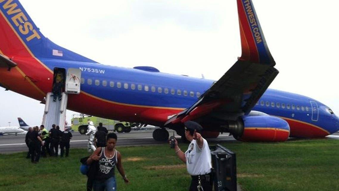 8 جرحى في هبوط طائرة بمطار لا غوارديا في نيويورك