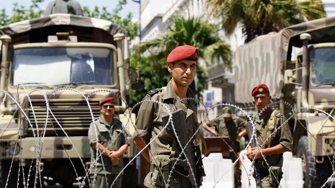 تعزيزات عسكرية في تونس