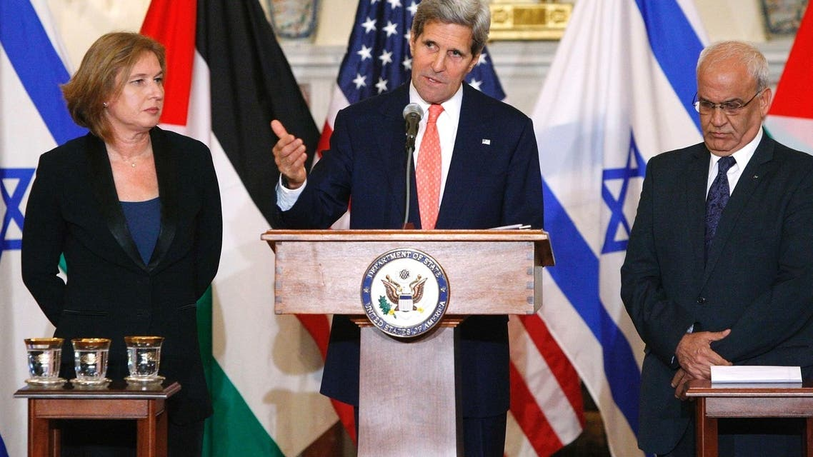U.S. Secretary of State John Kerry announces further peace talks at a news conference with Israel's Justice Minister Tzipi Livni (L) and Chief Palestinian negotiator Saeb Erekat (R) at the State Department in Washington July 30, 2013. (Reuters)