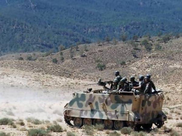 الجزائر تنفي غلق الحدود وجيش تونس يقصف الإرهابيين
