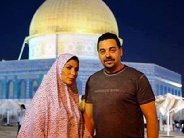 """أصالة بـ""""الحجاب"""" تصلي في قبة الصخرة بالمسجد الأقصى"""