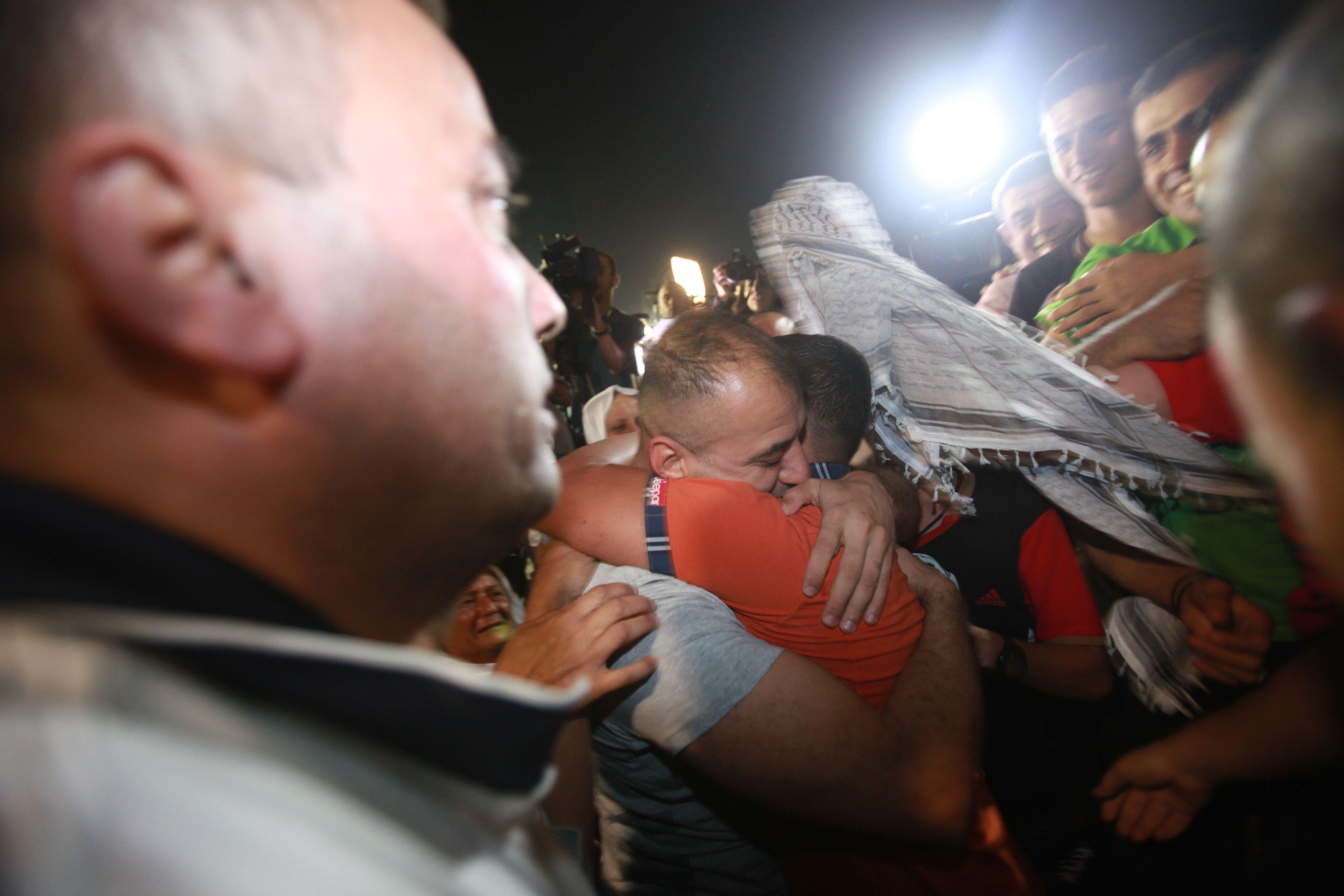 الإفراج عن الأسرى الفلسطينيين من سجن أيالون الإسرائيلي