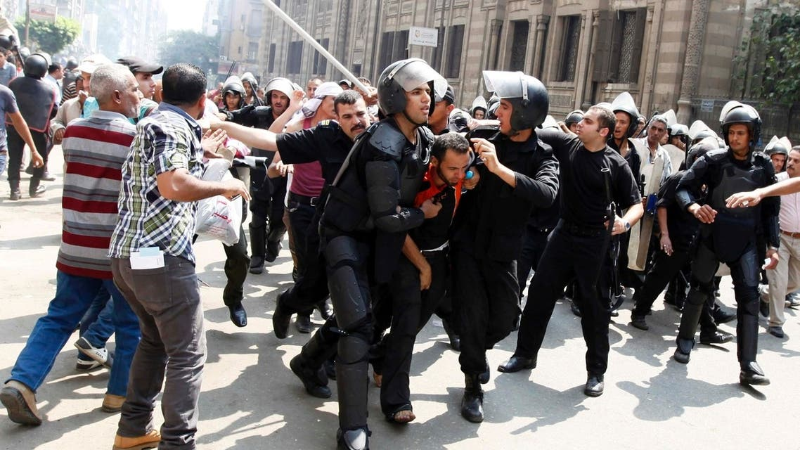 Egypt police disperse pro-Mursi camps