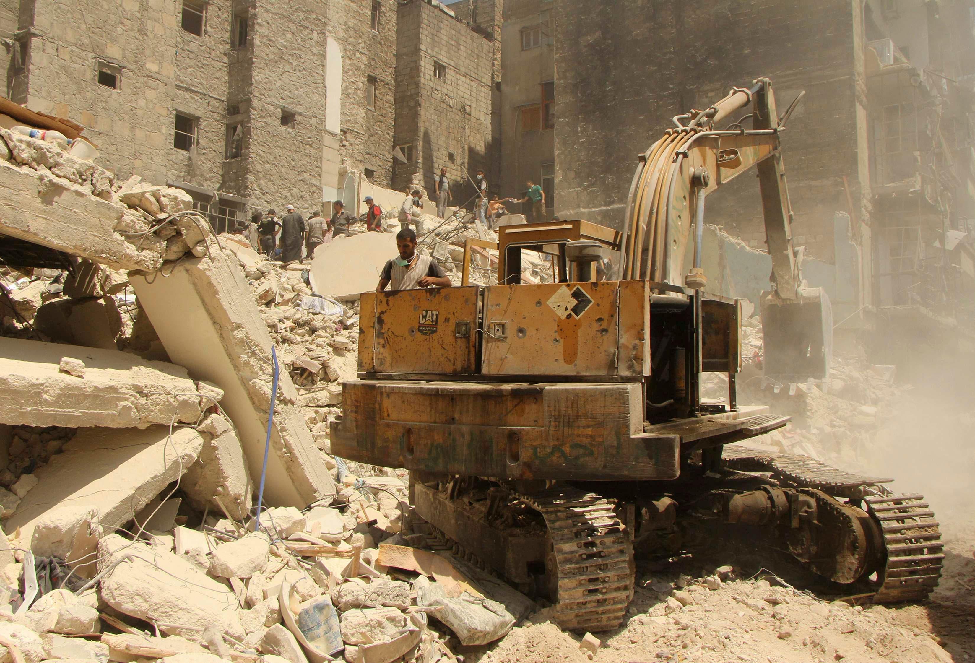 Syrians search for survivors under rubble