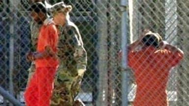 الإفراج عن آخر معتقل بريطاني في غوانتانامو