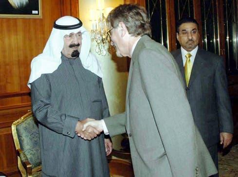 Khaled Almaeena, editor-in-chief of the Saudi Gazette, meets King Abdullah of Saudi Arabia. (Photo courtesy: Khaled Almaeena SPA)