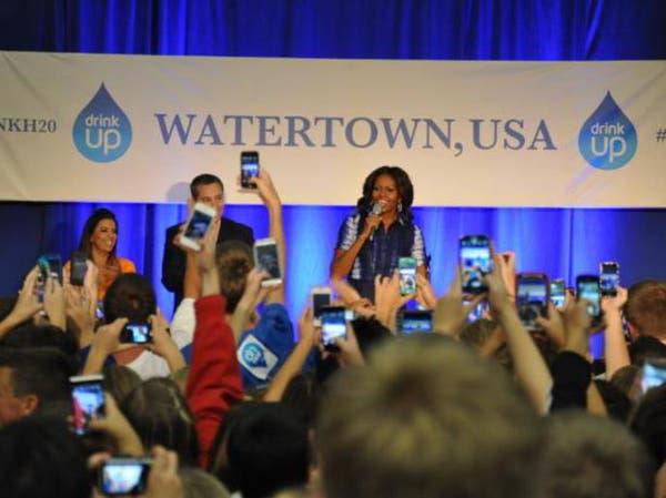 ميشيل أوباما تطلق حملة صحية للتوعية بفوائد شرب الماء