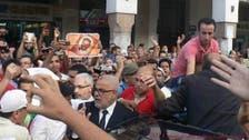 عاطلون يحاصرون رئيس حكومة المغرب والشرطة تتدخل لتحريره