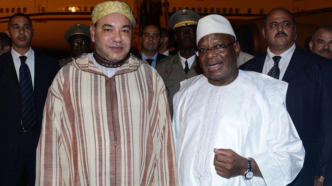 العاهل المغربي لحظة وصوله إلى مالي