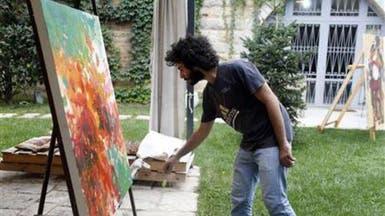 السوريون الشباب يتوجهون إلى لبنان حيث الأمن والجمهور