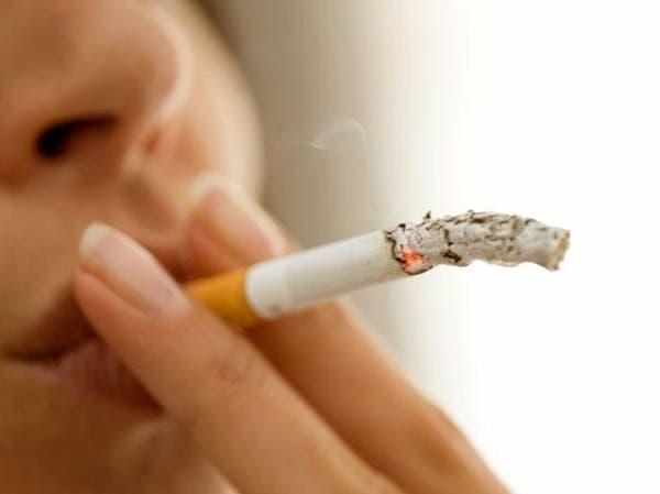 """مصرية """"تخلع"""" زوجها لأنه منعها من التدخين"""