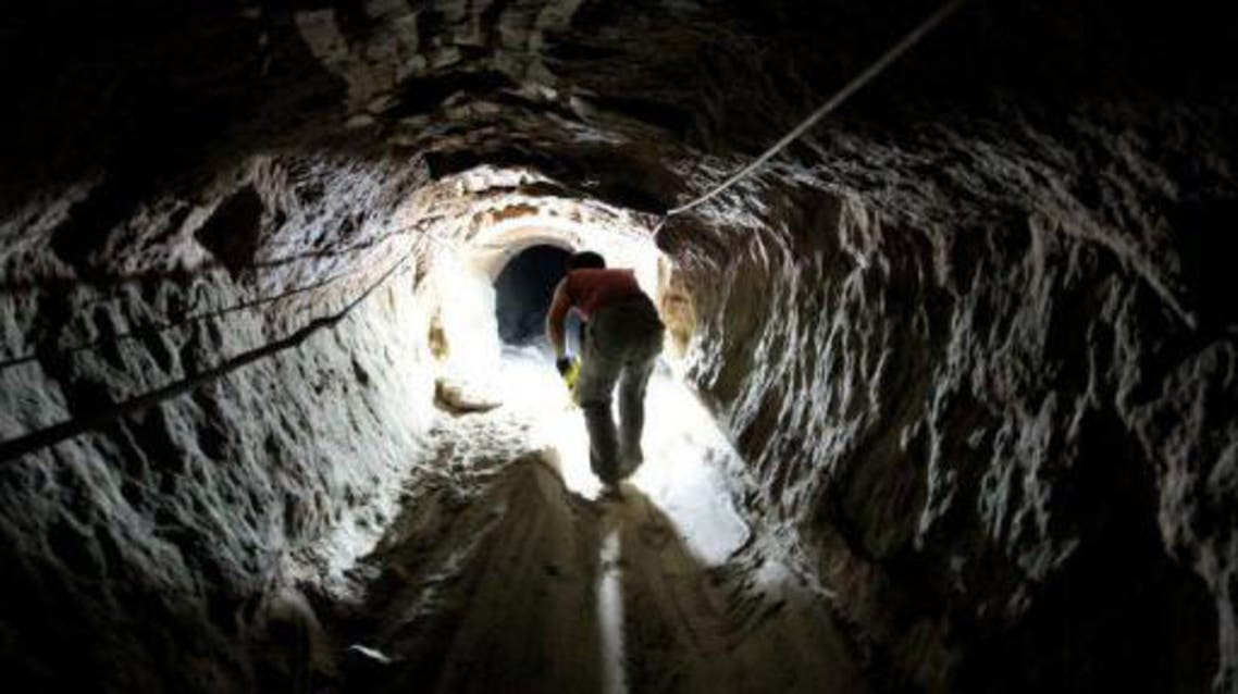tunnels_afp
