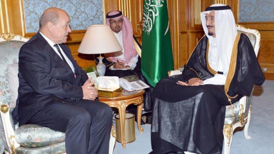 الأمير سلمان يلتقي وزير الدفاع الفرنسي