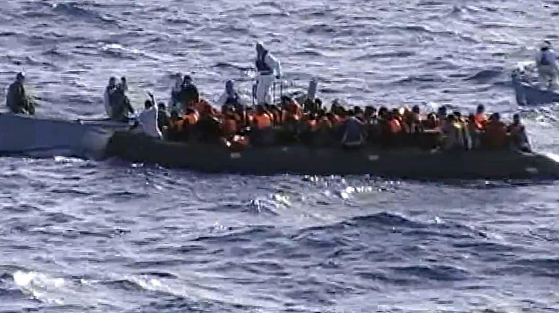 انقاذ مهاجرين مقابل سواحل إيطاليا