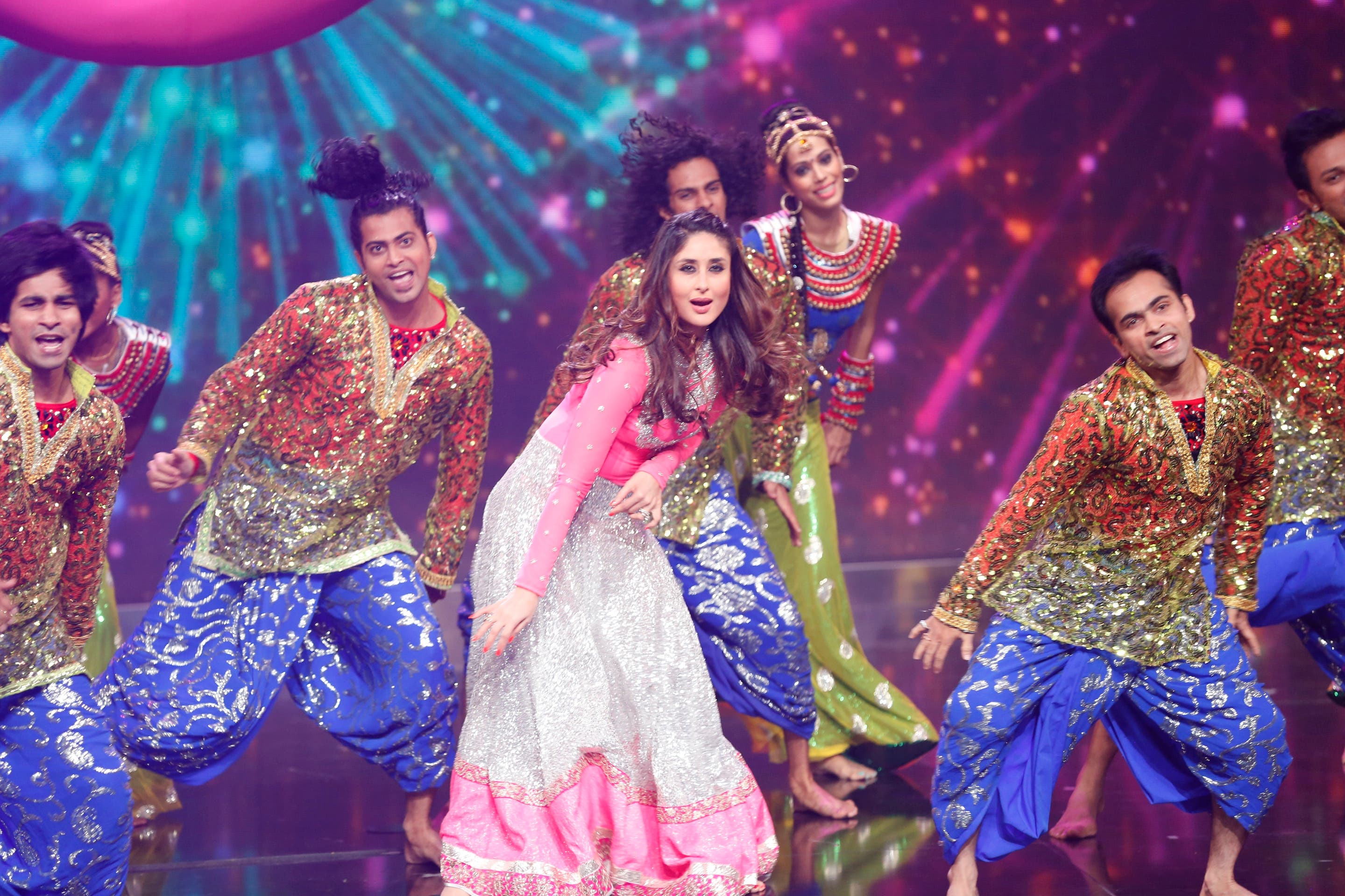 Karina Kapoor performed a number of her hit numbers. (MBC)