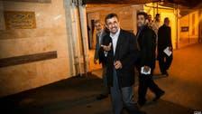 أحمدي نجاد يحتفل بعيد ميلاده مع أنصاره أمام منزله