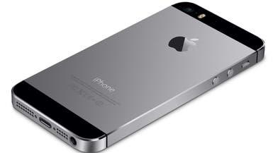 """آبل: توجد مشكلة في بطارية بعض هواتف """"آيفون 5 إس"""""""