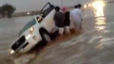 32  إصابة و5 وفيات جراء الأمطار في شمال السعودية