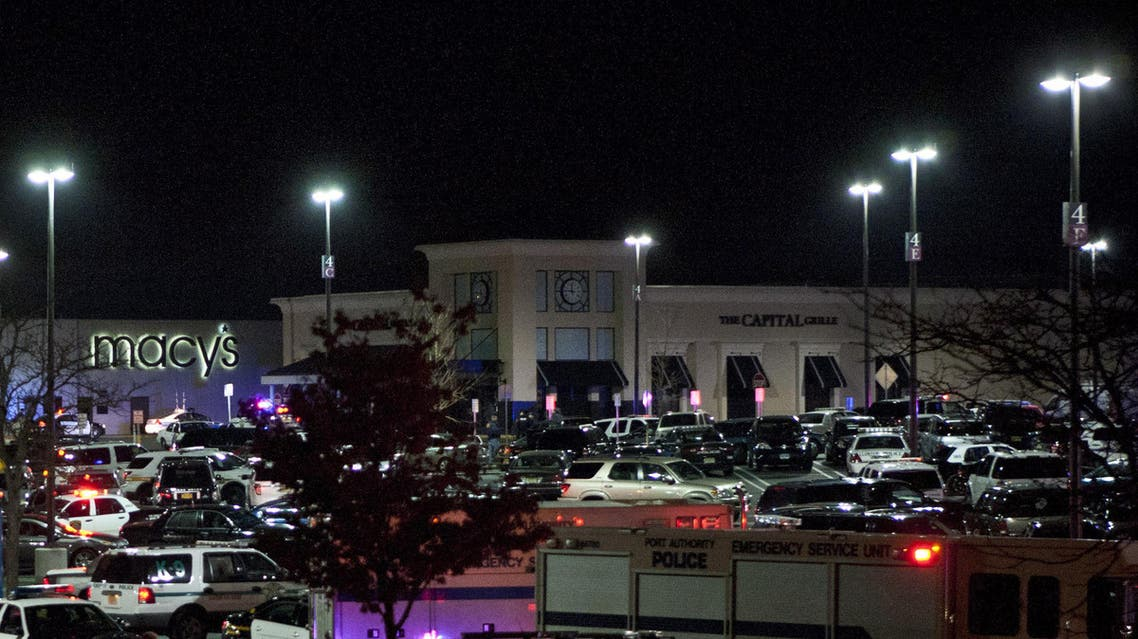 The Garden State Plaza Mall is seen following reports of a shooter November 05, 2013 in Paramus, New Jersey. AFP