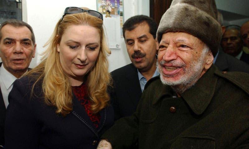 الرئيس الراحل ياسر عرفات وزوجته سهى