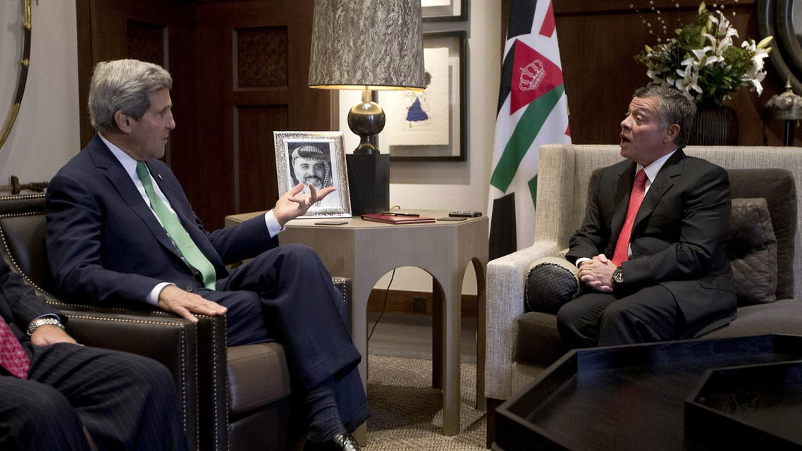 US Secretary of State John Kerry (L) meets with Jordan's King Abdullah II in the capital Amman on November 7, 2013. afp