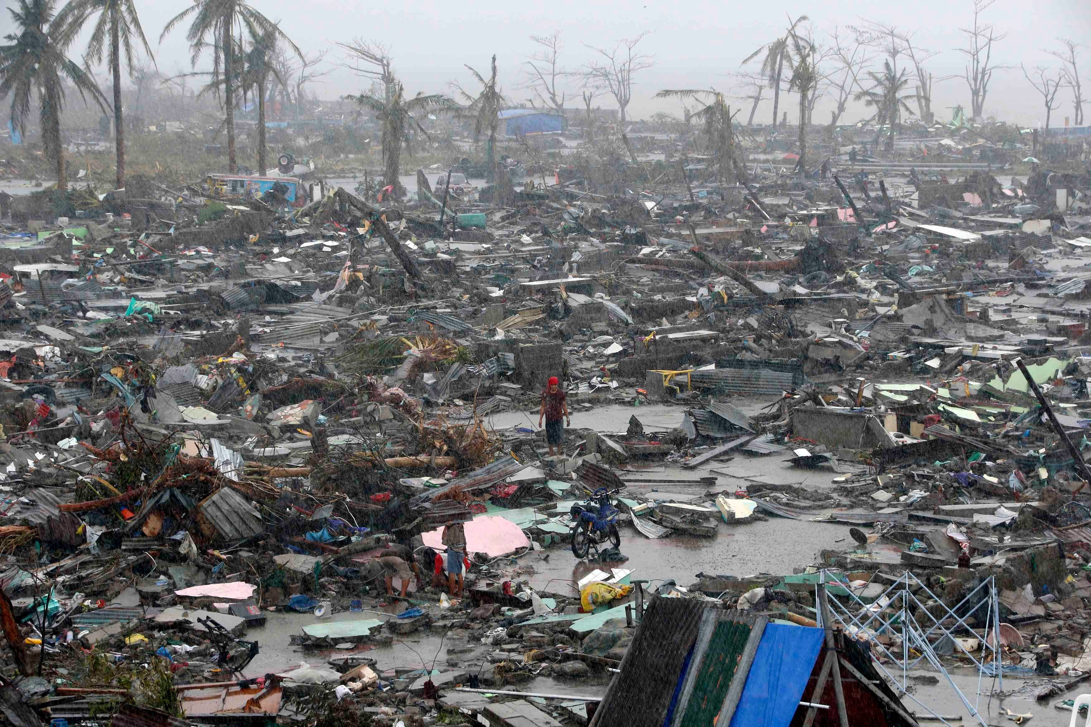 Typhoon in the philippines pictures