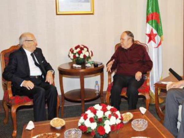 السبسي عند بوتفليقة للمرة الثانية وسط أزمة حادة بتونس