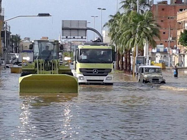 أمطار الرياض تسببت بفقد ثلاثة أشخاص وتضرر 11 منزلاً