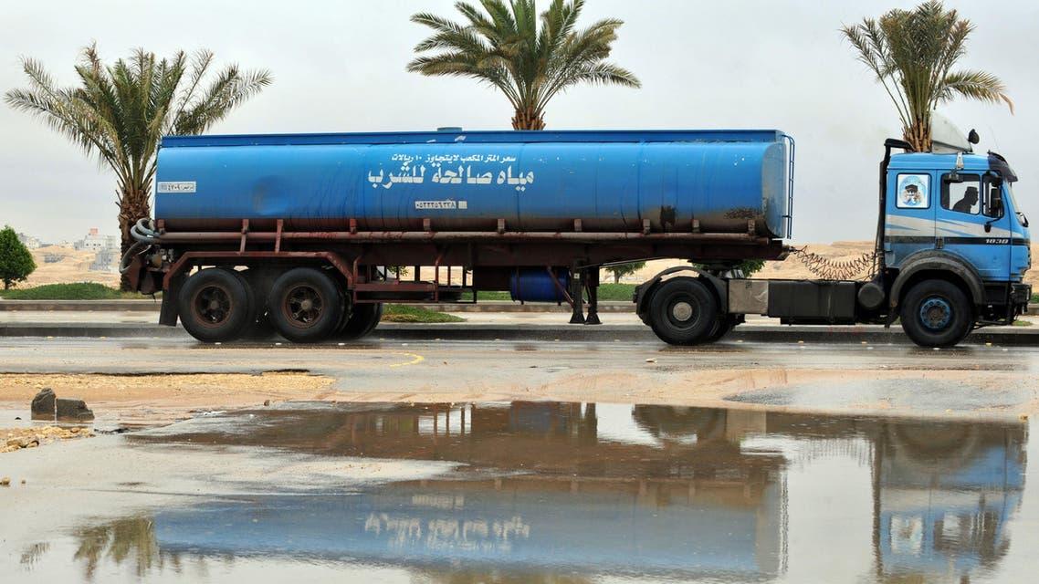 Heavy rain floods Riyadh
