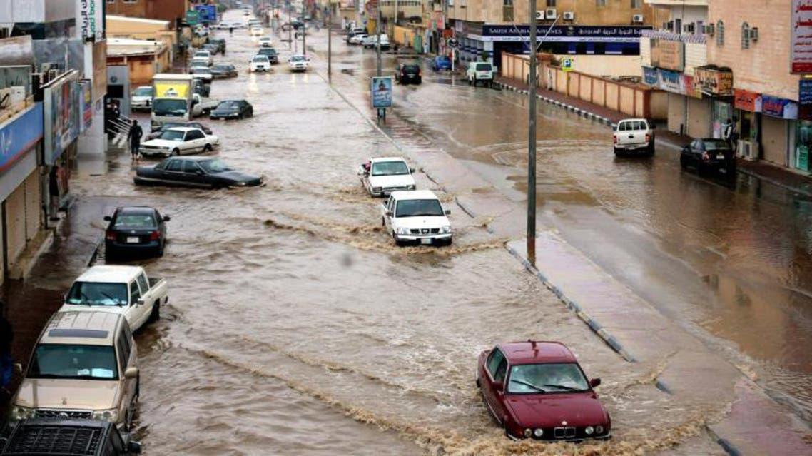 أمطار غزيرة ومتوسطة على المناطق السعودية