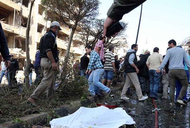 ضحايا تفجير السفارة الايرانية في بيروت