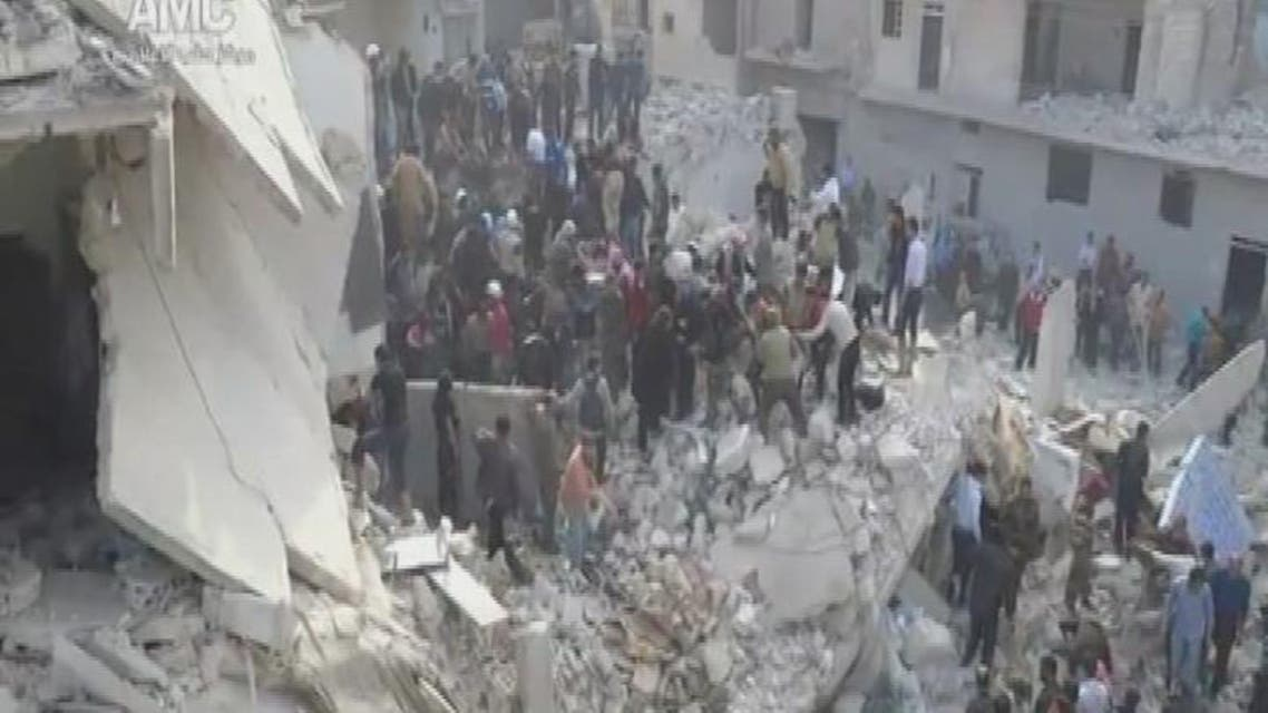 THUMBNAIL_ قوات الأسد تقصف بشكل مكثف  حي الوعر في حمص