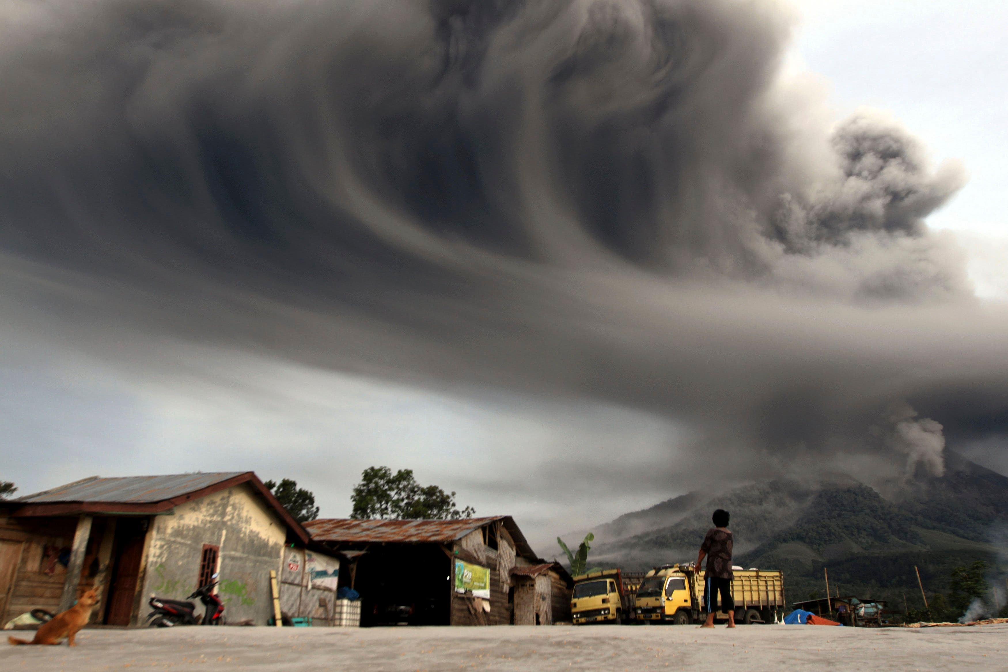 Dust settles after Indonesia volcano