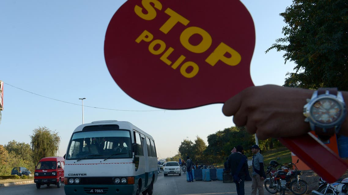 Children in Syria and Pakistan receive polio vaccination