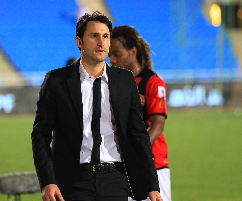 إدارة الاتحاد قررت إقالة الاسباني بينات مدرب فريق(تصوير: فهد الضويفري)