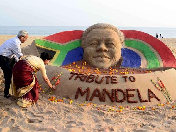 العالم يشيد بشجاعة مانديلا.. والجنازة 15 ديسمبر