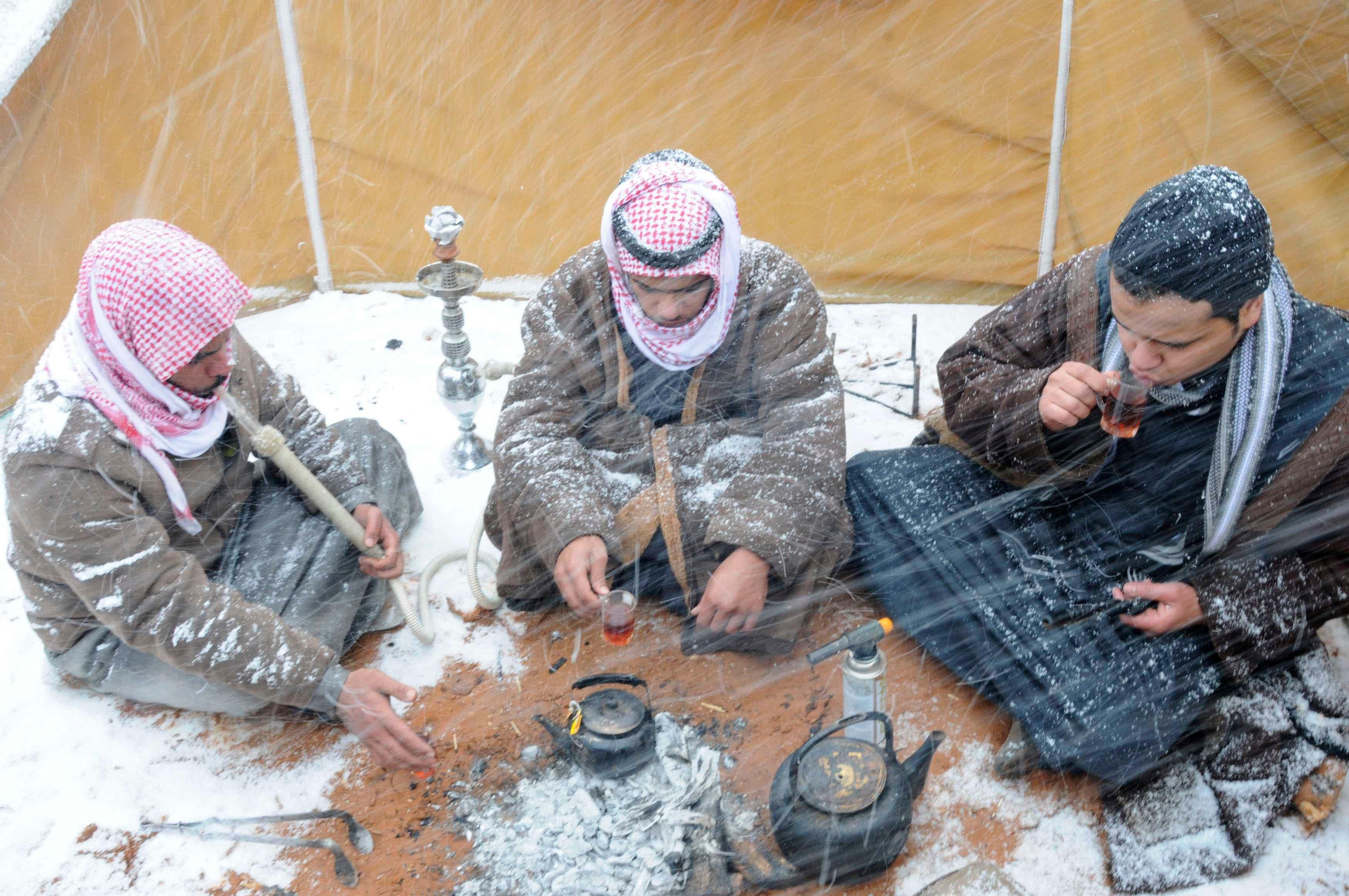 Mideast storm settles snow on Saudi Arabia