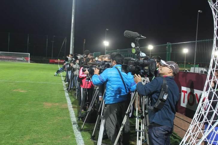 حضور اعلامي كبير في الحصة التدريبية النهائية للرجاء في ملعب مراكش قبل النهائي