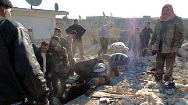 البراميل المتفجرة تقتل نحو 91 في حلب بينهم أطفال ونساء