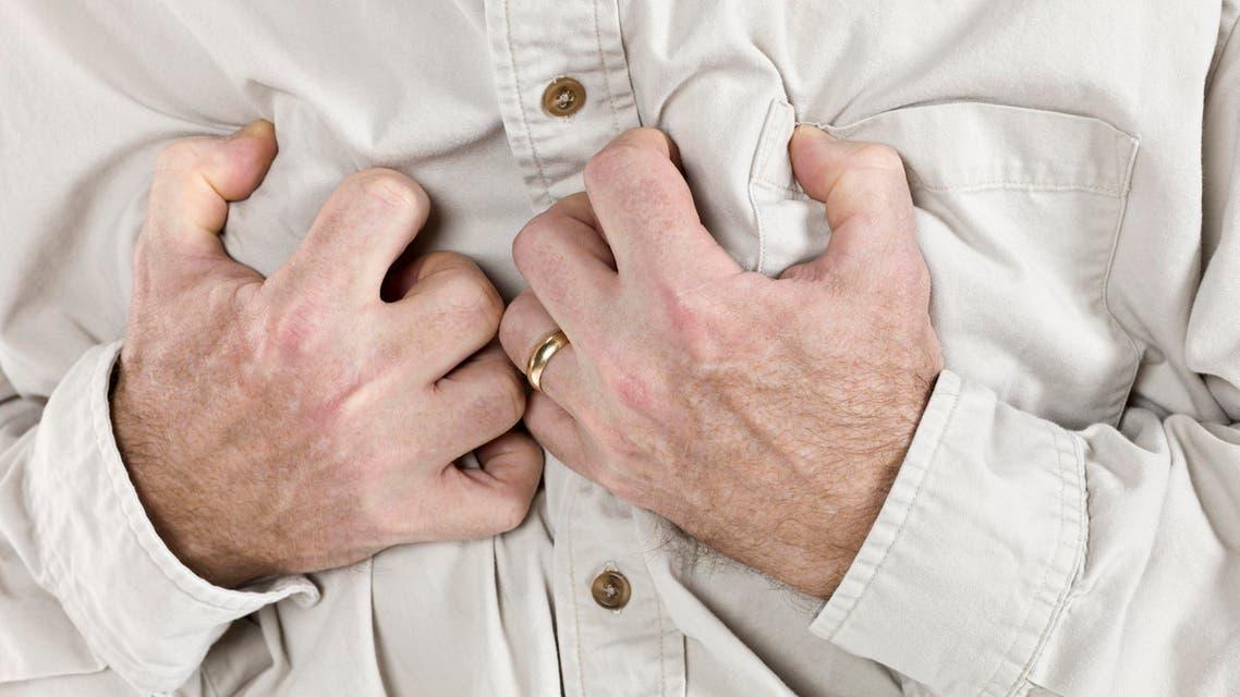 أزمة قلبية وجع في الصدر