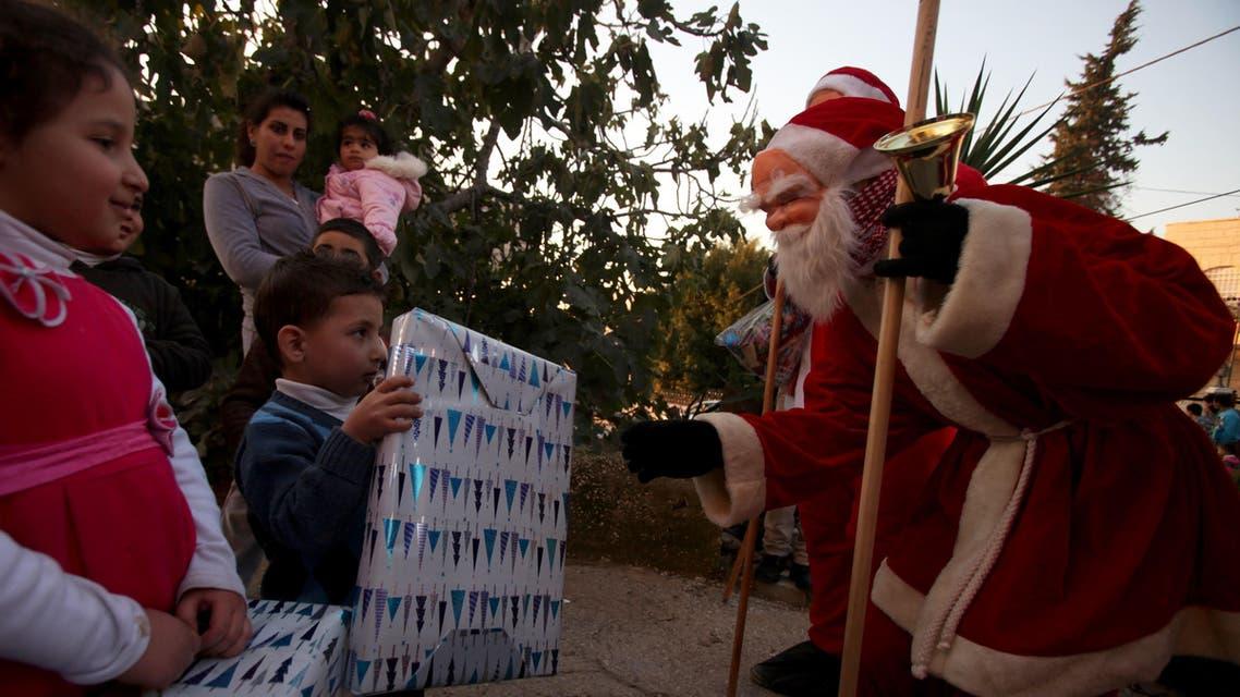 Palestinians prepare for Christmas