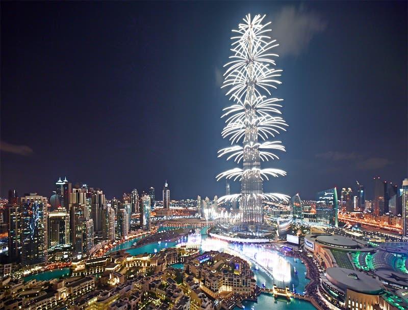 شاهد إحتفال دبي رأس السنة 2018 في برج خليفة احتفالات 2018