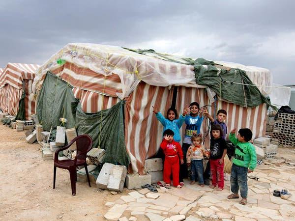 100 قتيل وجريح في قصف سوري على لاجئين فارين للبنان