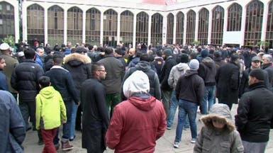 بريطانيون غاضبون يشيعون جثمان طبيب قضى في سجون سوريا