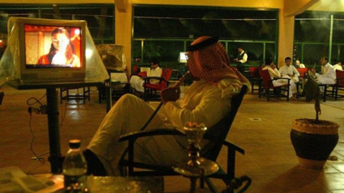 تدخين شيشة مقاهي السعودية