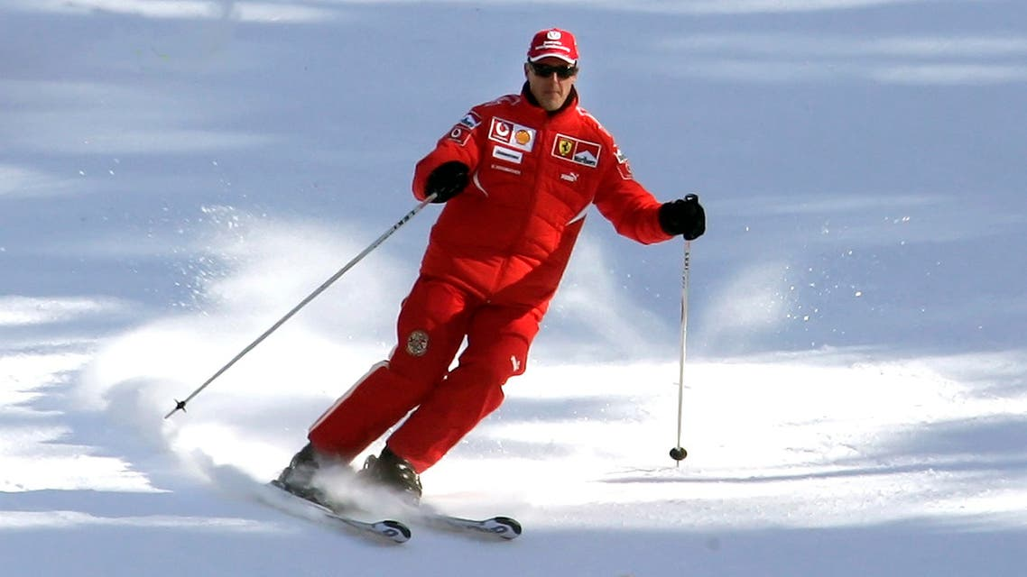 Ferrari's Formula One driver Michael Schumacher of Germany skis during his team's winter retreat in the Dolomite resort of Madonna Di Campiglio January 12, 2006.